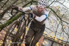 10-12-2017: Wielrennen: Druivencross: Overijse: Mathieu van der Poel solert naar de winst